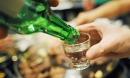 Cách uống rượu bia ngày Tết không say, không hại gan