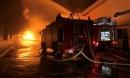 Lửa bốc cháy dữ dội suốt nhiều giờ ở công ty dệt may