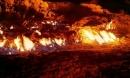Bí ẩn ngọn núi âm ỉ cháy suốt 2000 năm