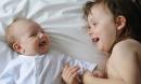 7 điều cha mẹ chớ quên để con không cảm giác bị ra rìa khi có em bé