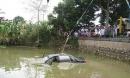 Ô tô lao xuống ao, tài xế điện thoại về nhà cầu cứu nhưng vẫn thiệt mạng