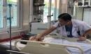 Người đàn ông gục bên đường nghi do sốc nhiệt, bác sĩ cảnh báo: Uống hạ sốt là vô nghĩa
