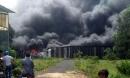 Đồng Nai: Cháy lớn tại xưởng chứa vải bông tái chế