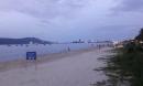 Tìm thấy bé gái người nước ngoài đi lạc 2km trong lúc tắm biển Đà Nẵng