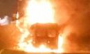 Vụ xe khách bốc cháy sau cú tông xe container: 'Tiếng va chạm như bom nổ'