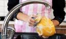 5 sai lầm nhiều người mắc khi rửa bát biến nước rửa chén thành chất độc hại cả gia đình