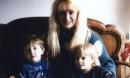 Những giọt máu lật tẩy màn kịch hoàn hảo của người mẹ giết 2 con vì chồng phá sản