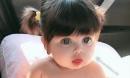 Bé gái xinh xắn như 'búp bê sống' khiến ai nhìn cũng không chớp mắt