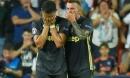 Ronaldo 'côn đồ' ăn thẻ đỏ cúp C1: Bật khóc tức tưởi như trẻ con