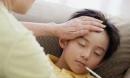 """Cậu bé 2 tuổi liên tục chảy nước dãi, cảnh báo bệnh nguy hiểm có thể lây qua """"nụ hôn"""""""