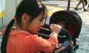 Mẹ Nhật Linh: Chồng tôi bảo 'Chắc con lạnh lắm, hay mình bầu', không ngờ đẻ con gái