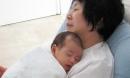 Đứa trẻ ngủ với bà khác với ngủ với mẹ, 10 năm sau nhận ra đã quá muộn