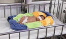 Bé sơ sinh 3 ngày tuổi bị bỏ rơi giữa tiết trời rét buốt
