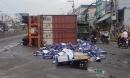 Sau tiếng nổ, container lật như phim, bia văng tứ tung trên Quốc lộ 1