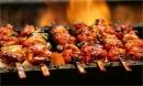 Tác hại tiềm ẩn sau những đĩa thịt nướng giá rẻ