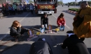 Vụ container cán chết 2 vợ chồng: Quan tài đi qua vùng máu đổ