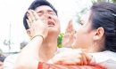 Anh trai bật khóc nức nở trong ngày em gái đi lấy chồng gây 'sốt' mạng xã hội