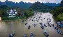 Hàng vạn du khách tới Lễ hội chùa Hương trong ngày khai hội Mồng 6 tháng Giêng