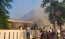 Cháy nhà kho bên trong trường tiểu học ở Đà Nẵng, hàng trăm học sinh hoảng loạn sơ tán