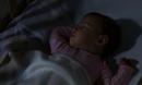 Bé 2 tuổi ngừng cao vì thói quen sai lầm trước khi đi ngủ của bố mẹ