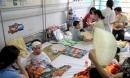 Phụ huynh tẩy chay vắc-xin hãy nhớ đến dịch sởi năm 2014 khiến hơn 100 trẻ tử vong