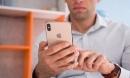 """iPhone đang """"thất thủ"""" trên mọi mặt trận"""