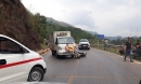 Hai thanh niên phóng xe tốc độ cao đấu đầu xe tang lễ trên quốc lộ 6