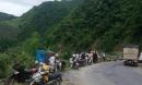 Xe tải mất lái lao xuống vực sâu 200 mét, tài xế tử vong