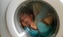 Bé trai 3 tuổi bị mắc kẹt và tử vong trong máy giặt cửa trước - cảnh báo nguy hiểm từ thiết bị nhà nào cũng có