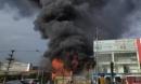 Cháy dữ dội tại siêu thị 90K ở thành phố Bắc Giang