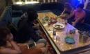 Tiếp viên ăn mặc hở hang phục vụ khách chơi ma tuý ở nhà hàng trung tâm Sài Gòn