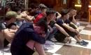16 người phê ma túy leo nóc nhà trốn cảnh sát