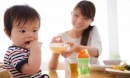 5 kiểu nuôi con nhiều mẹ mắc phải khiến trẻ biếng ăn, hỏng dạ dày, lại hay ốm vặt
