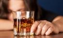 Từ 01/01/2020, cấm rủ người khác đi 'uống rượu giải sầu'