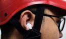 Lái xe máy đeo tai nghe có thể bị xử phạt 1 triệu đồng