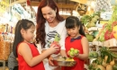 Những hoạt động thú vị mà bất kỳ người mẹ nào cũng nên khuyến khích con làm vào dịp Tết