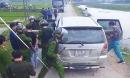 Hàng chục cảnh sát vây xe Innova chở 45 kg ma túy