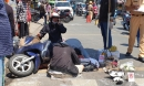 Chồng ôm thi thể vợ bị tai nạn gào khóc thảm thiết giữa trưa nắng