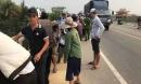 'Ngã ngửa' với lý do chiếc xe bị bỏ lại trên cầu khiến trăm người hoảng hốt