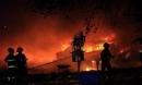 Hai xưởng phế liệu liên tiếp bốc cháy trong đêm