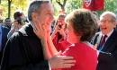 Nóng: Hiệu trưởng Đại học Harvard và vợ đã dương tính với Covid-19