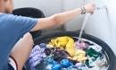 Phòng dịch Covid-19: Giặt quần áo chớ quên chi tiết nhỏ nhưng giúp bảo vệ sức khỏe gia đình bạn
