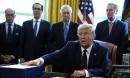 TT Trump ký gói cứu trợ kỷ lục 2.200 tỷ USD