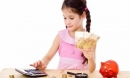 Những bài học về tiền bạc cha mẹ nên dạy bé trước khi trưởng thành