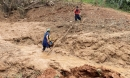 Đã tìm thấy thi thể 6 người trong một gia đình bị sạt núi vùi lấp nhà ở Quảng Trị