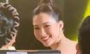 """Đặng Thu Thảo lộ nhan sắc thật qua camera của 'team qua đường', chỉ cần mỉm cười là dân tình """"vỡ tim"""""""