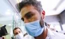 Biến cực căng: Bác sĩ riêng Maradona chịu cáo buộc 'làm người khác chết oan', văn phòng và nhà riêng bị cảnh sát ập vào khám xét