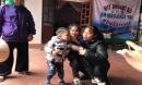 Truy tìm người cha trong giấy khai sinh của 2 cháu bị bị bỏ rơi trên bờ đê trong cái lạnh 10 độ C