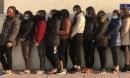 Gần 100 công an đột kích bắt 12 'nữ quái' đường dây đánh bạc tiền tỷ