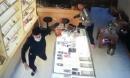 Hết tiền tiêu, nam thanh niên đâm lén chủ cửa hàng để cướp điện thoại